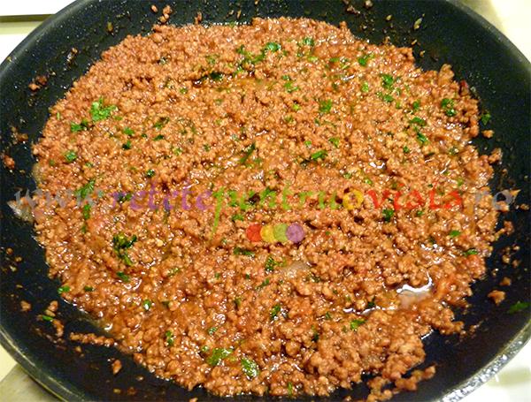 Reteta de vinete umplute cu carne tocata si sos bechamel - pasul 4