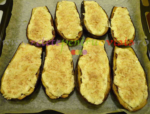 Reteta de vinete umplute cu carne tocata si sos bechamel - pasul 8