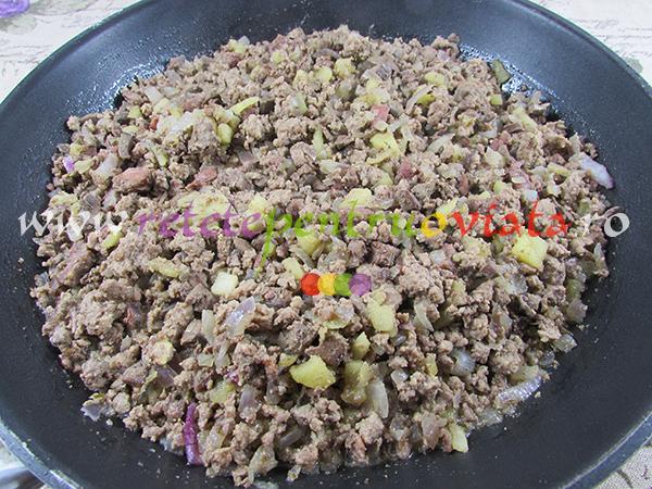 curcan-umplut-cu-castane-si-fructe-uscate-pasul-5