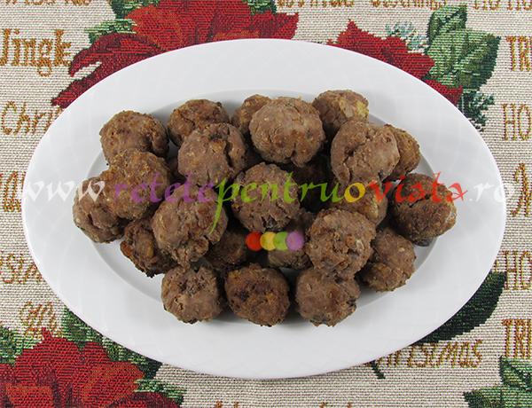 curcan-umplut-cu-castane-si-fructe-uscate-pasul-8-chiftele-din-umplutura-de-curcan