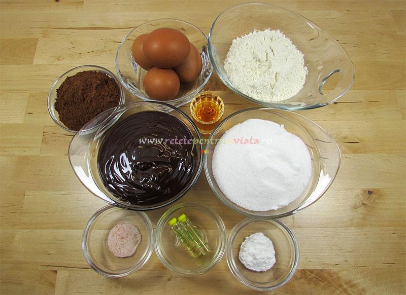 Ingrediente pentru reteta de chec cu ciocolata
