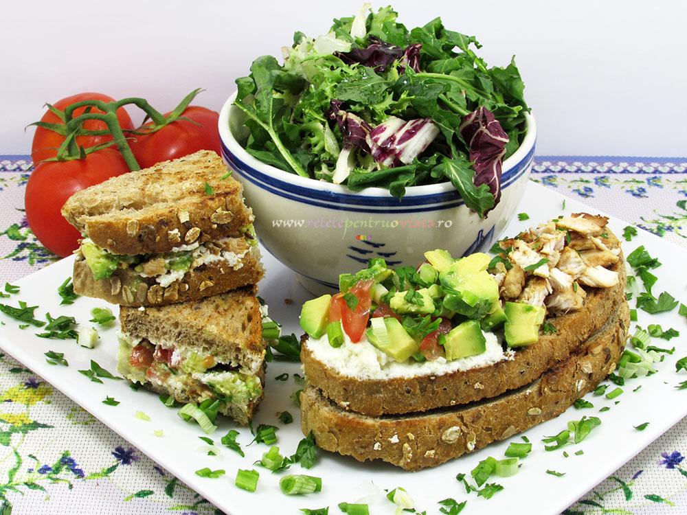 Sandwich cu Pui si Avocado - poza 1