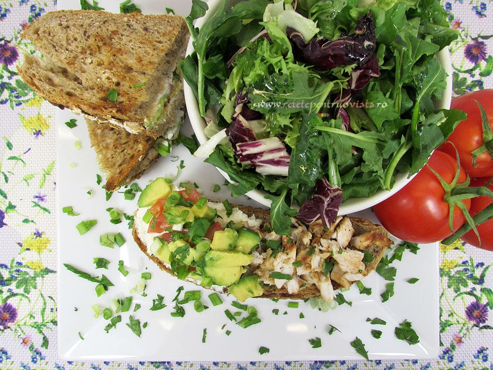 Sandwich cu Pui si Avocado - poza 3