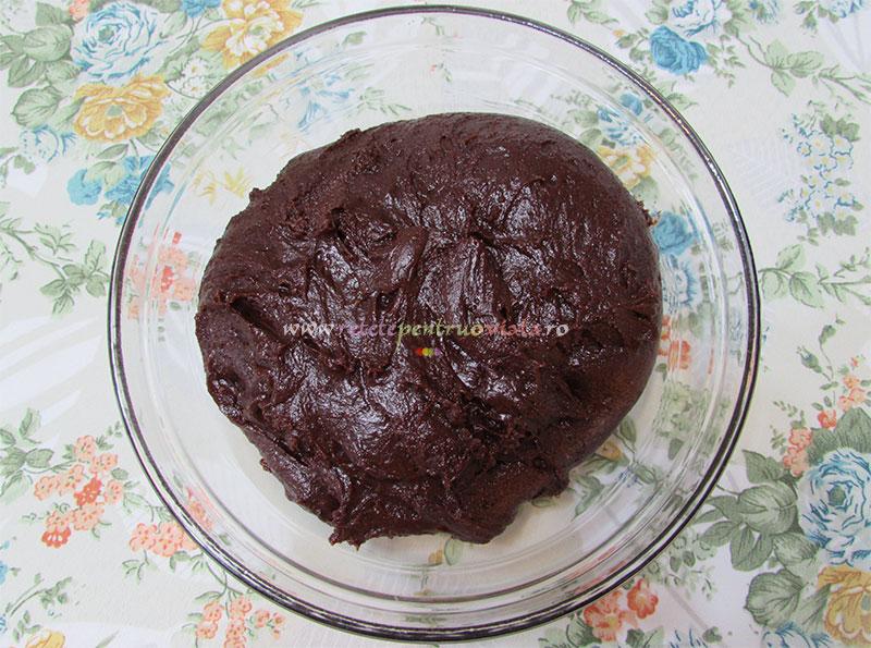 Aluat biscuiti de casa cu cacao