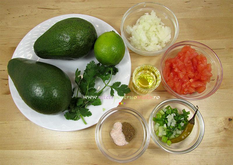 Ingrediente pentru reteta de guacamole (pasta de avocado)