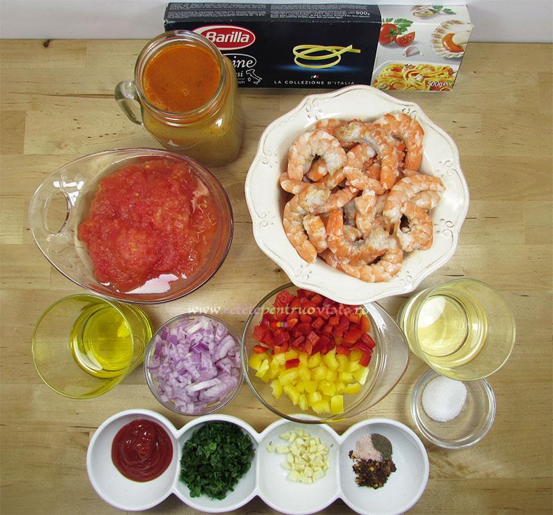 Ingrediente pentru reteta de paste cu creveti si sos de rosii
