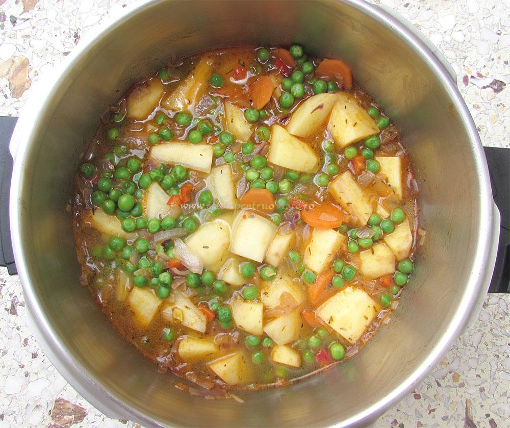 Mancare de Cartofi cu Mazare de Post poza 3
