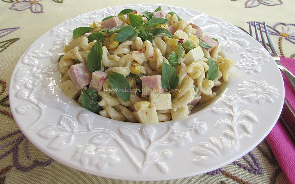Salata de Paste cu Sunca si Legume poza 5