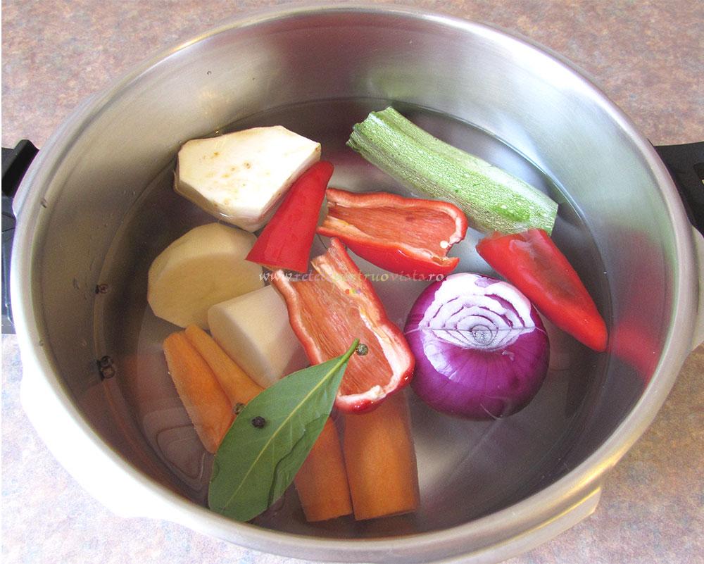 Supa Crema de Rosii cu Galuste poza 3