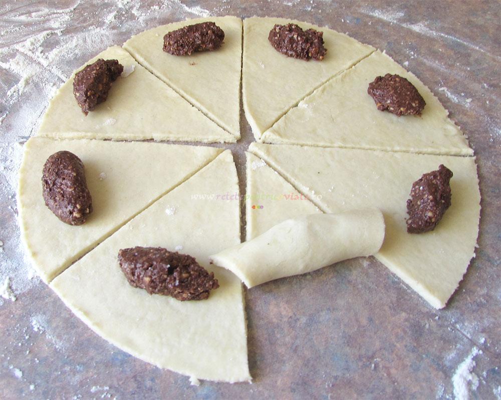 Mini Croissante cu Crema de Ciocolata poza 7