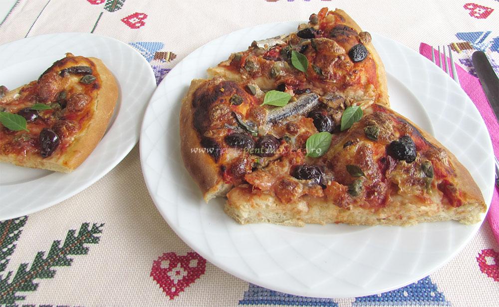 Pizza Arrabiata cu Ansoa si Mozzarela poza 6