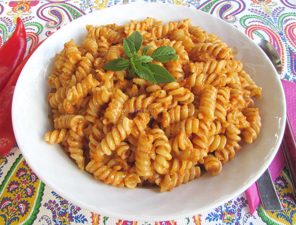 Paste cu Pesto de Ardei Copti poza 3