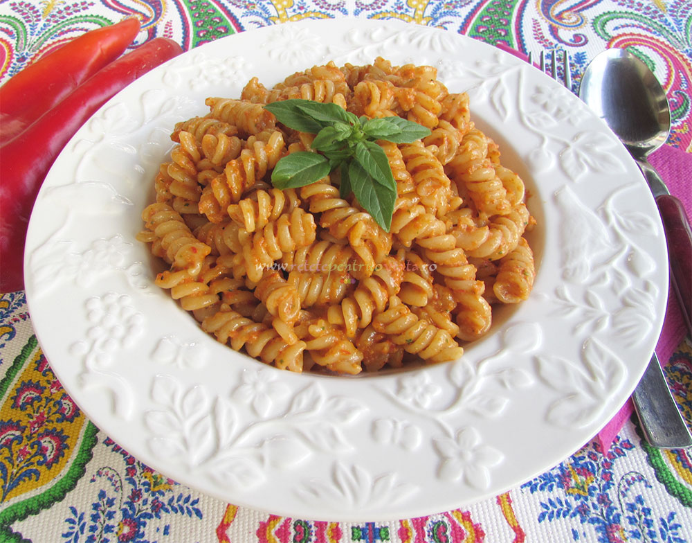 Paste cu Pesto de Ardei Copti poza 4